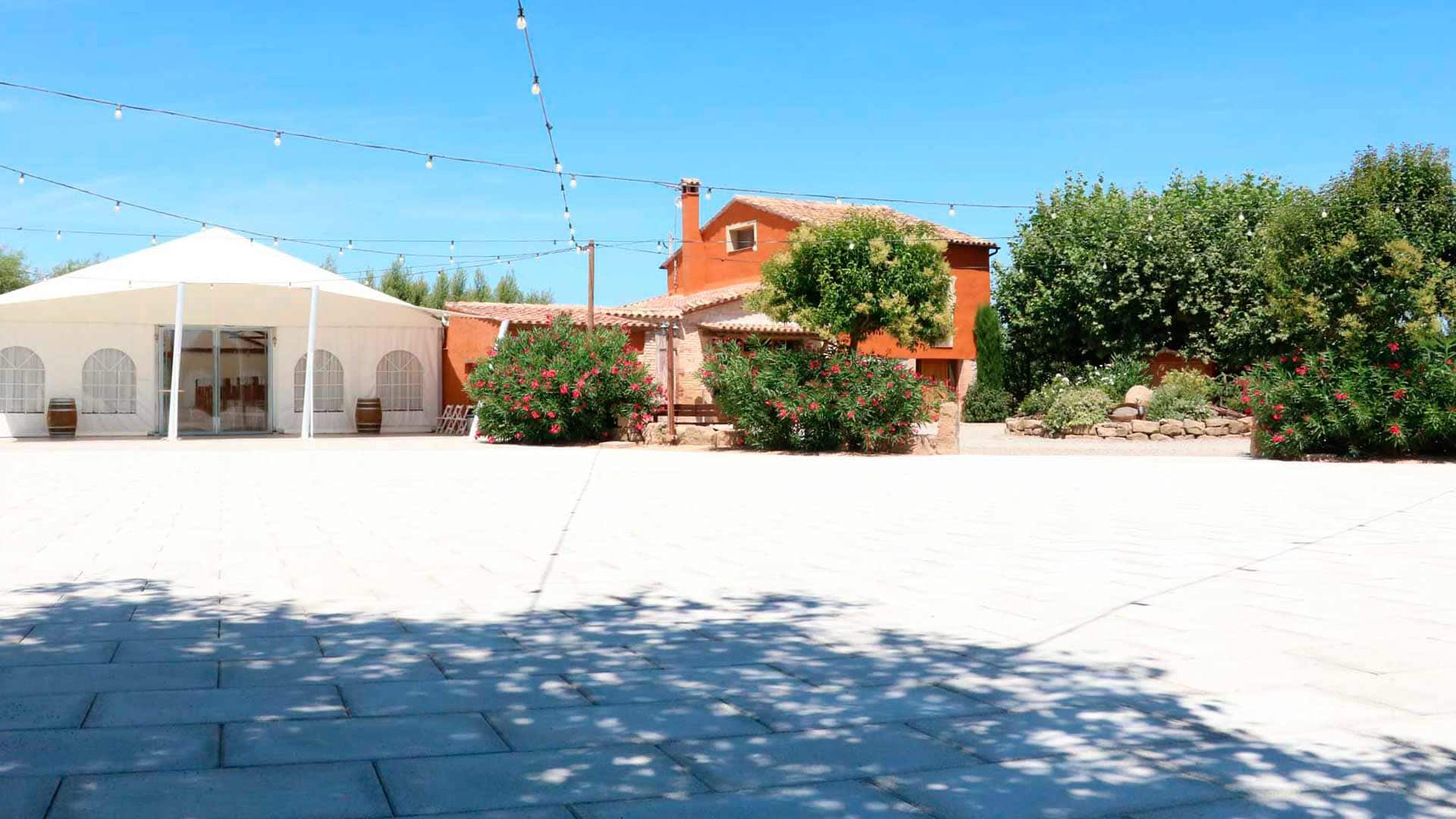 pujol-paviments-terratzo-exterior-masia-2
