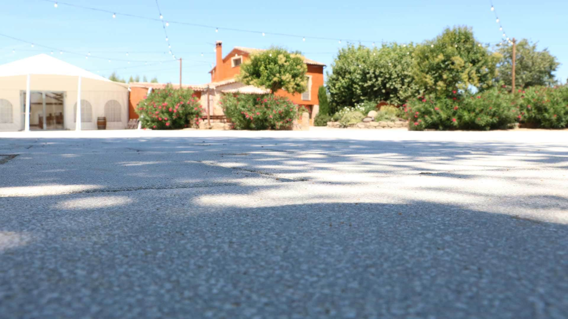 pujol-paviments-terratzo-exterior-masia-3