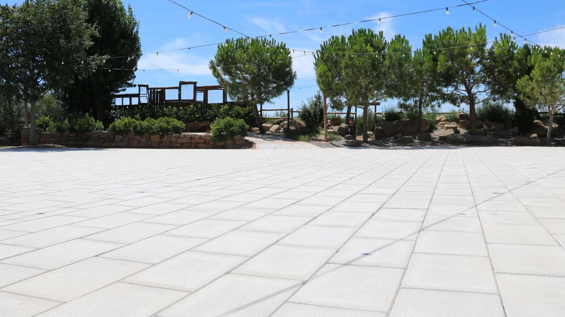pujol-paviments-terratzo-exterior-masia-6